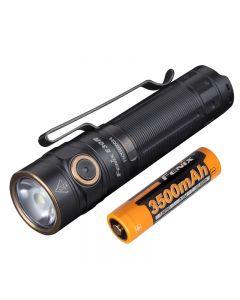 Fenix E30R 1600 lumenů a 203 metrů LED EDC dobíjecí svítilna