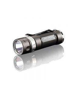 JETBeam JET-RRT01 CREE XP-L 950 lumenů svítilna EDC