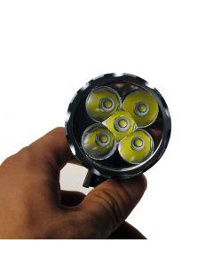 5LED Bike Light 5000 lumenů 3 režimy LED Bike světlometů patří baterie a nabíječka.