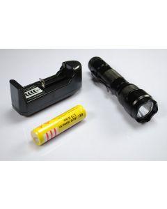 Ultrafire WF-502B XML U2 LED svítilna s 18650 baterie a nabíječka